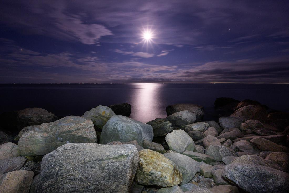 Hammonanset Moon